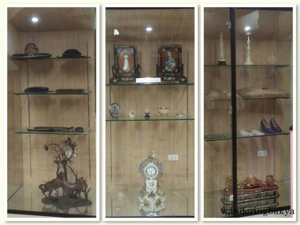 Doña Aurora Quezon's personal items, from accessories, photographs and shoes.