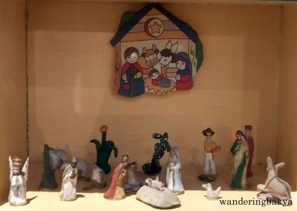 The miniature Belen to the bottom right