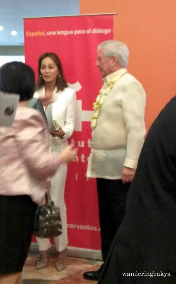 Isabel Preysler and Mario Vargas Llosa after the book signing
