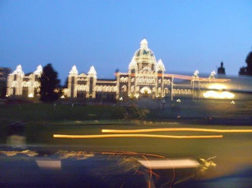 I like how psychadelic the government house looks here (Victoria, British Columbia, Canada; 2014)