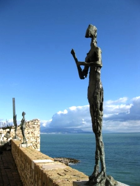 Antibes, an artistic honeymoon in the South of France