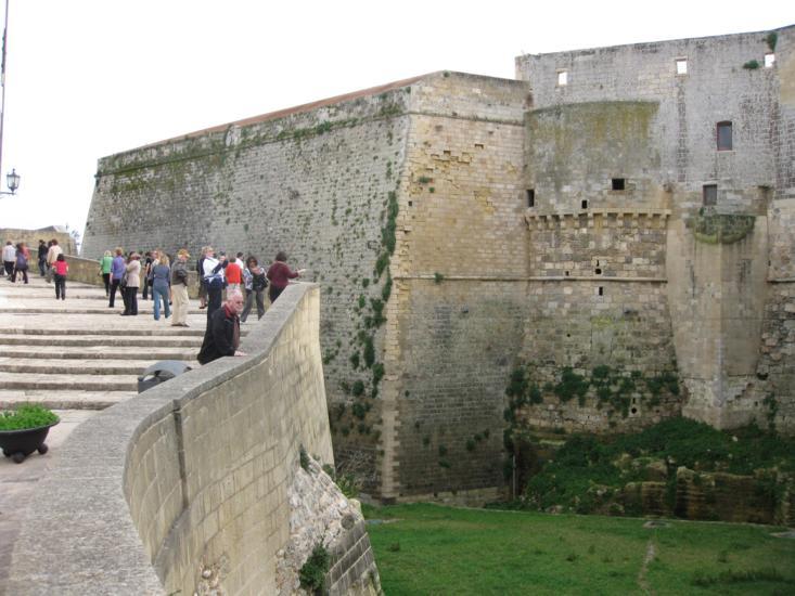 Photo tour of Puglia, castle in Taranto