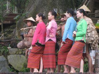 The people you meet, dancers on Hainan Island