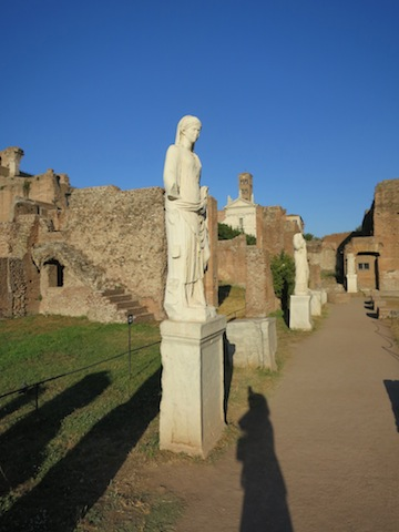 More statues of the Vestal Virgins of Rome
