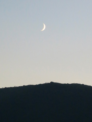 Getting engaged in Umbria, the moon in the sky