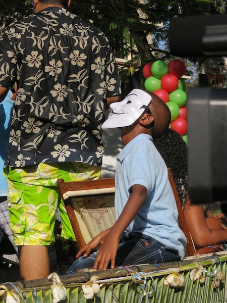 Seychelles Carnival mask on float