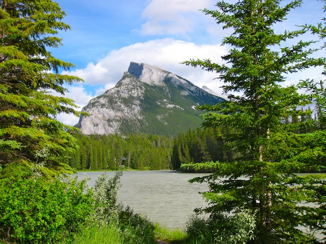 Things to do in Canada: visit Banff Alberta