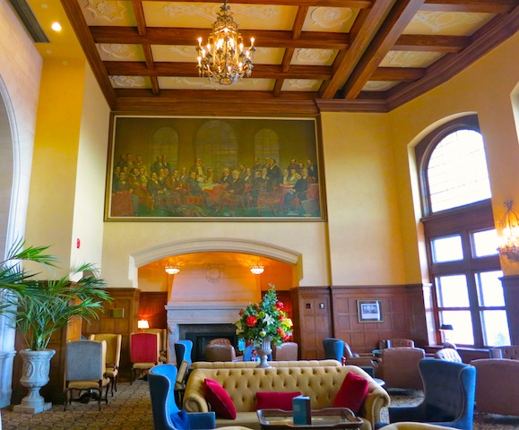 Fairmont Hotel Macdonald Confederation Lounge in Edmonton