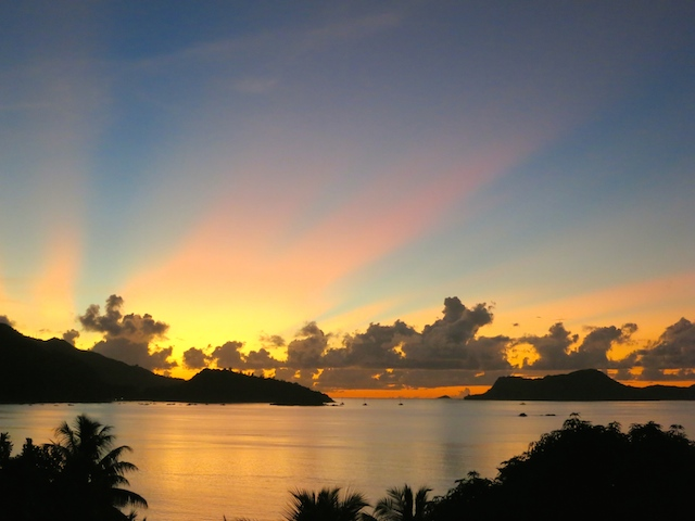 A travel blogger's year in review. Through sunsets Seychelles