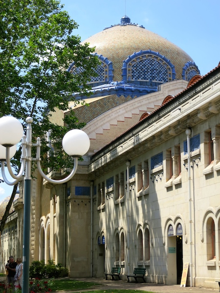 Travel guide Vichy, France, Thermes des Domes