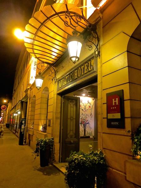 Historic Montparnasse cafes in Paris, Aviat
