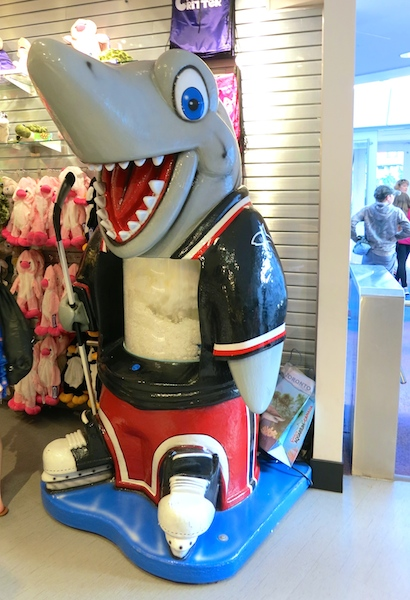 Ripley's Aquarium Toronto gift shop