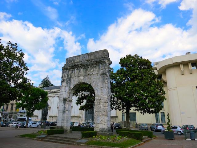 Visit Aix les Bains, Roman ruins Campanus arch