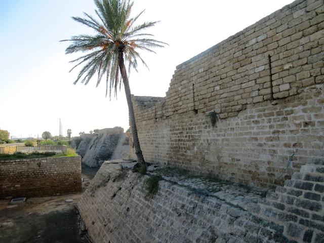 Caesarea in Israel, Crusader walls