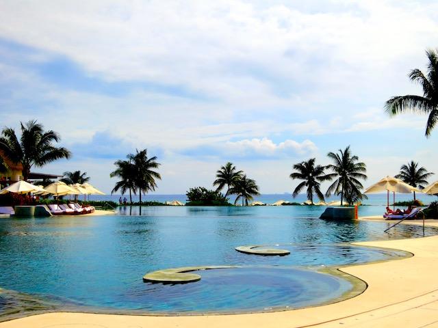 Luxury Caribbean vacations, pool Grand Velas Riviera Maya