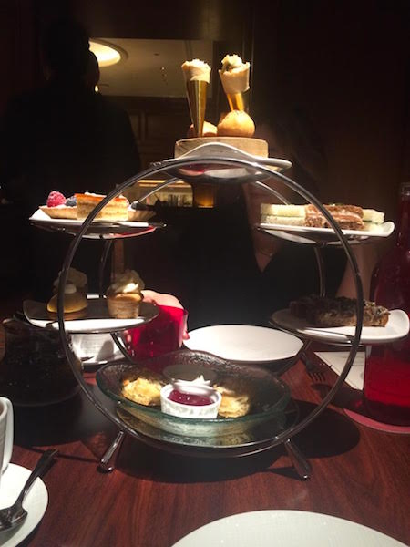 Weekend in Chicago, high tea at Four Seasons Hotel