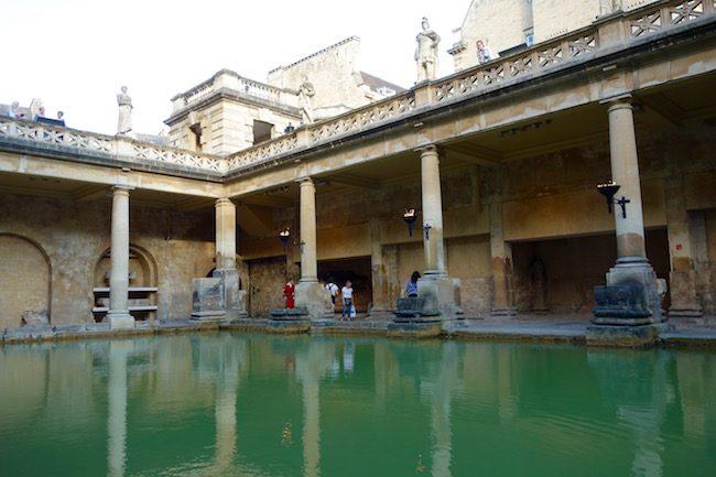 great-bath-roman-baths-england