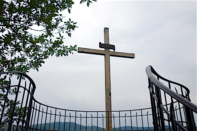 karlovy-vary-hiking-views-peter-the-great-cross