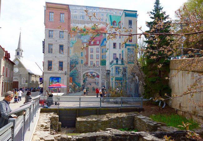 Fresque des Québécois mural, what to see in Petit Champlain Quebec City
