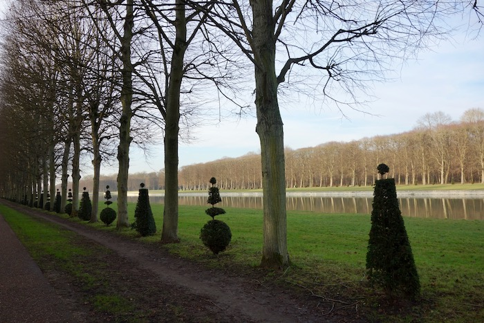 Things to do in Versailles, visit the palace grounds