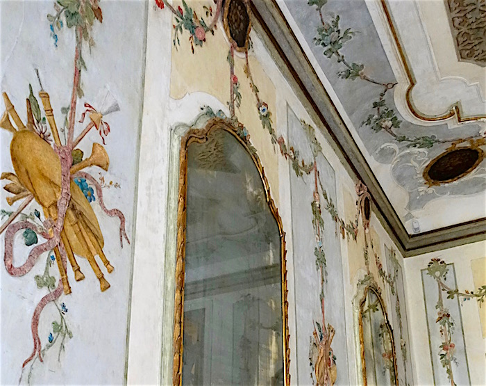 Stucco work in the dining room, Palazzo Grimani luxury accommodation in Venice