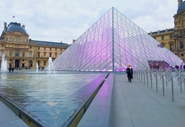 Top things to do in Paris, visit the Louvre