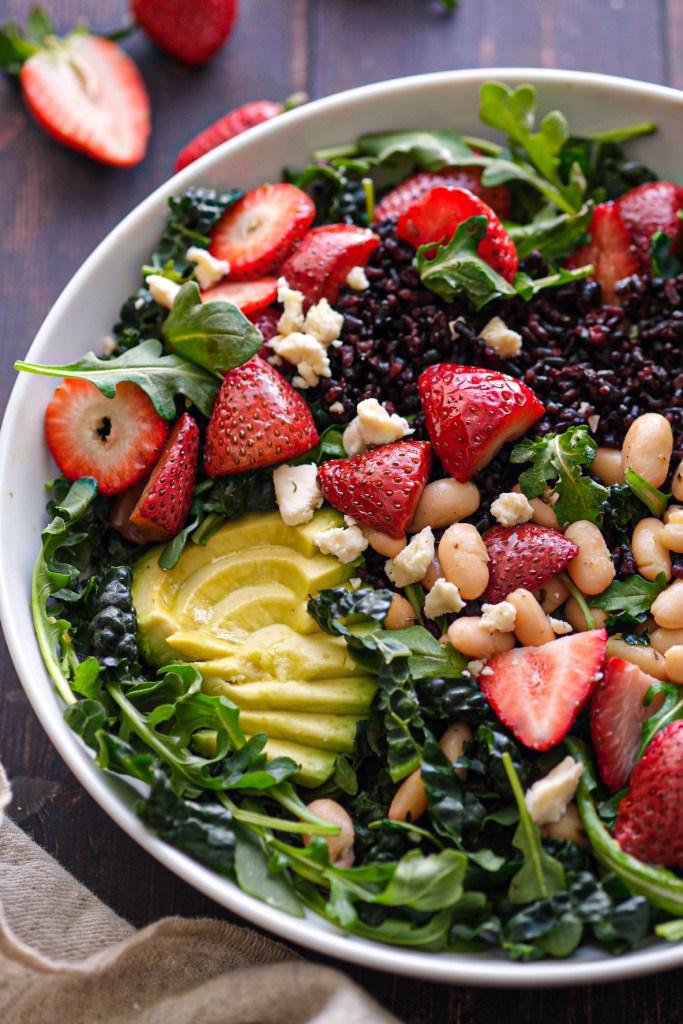 Roasted strawberry salad recipe