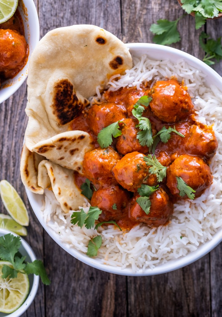 Roasted red pepper meatball curry