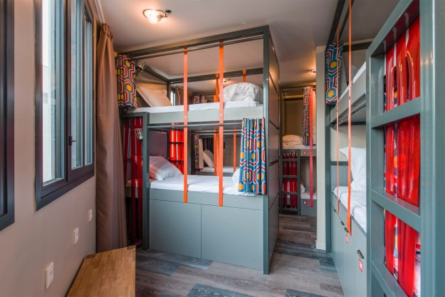 The Les Piaules classic bunk system with all the bells and whistles.