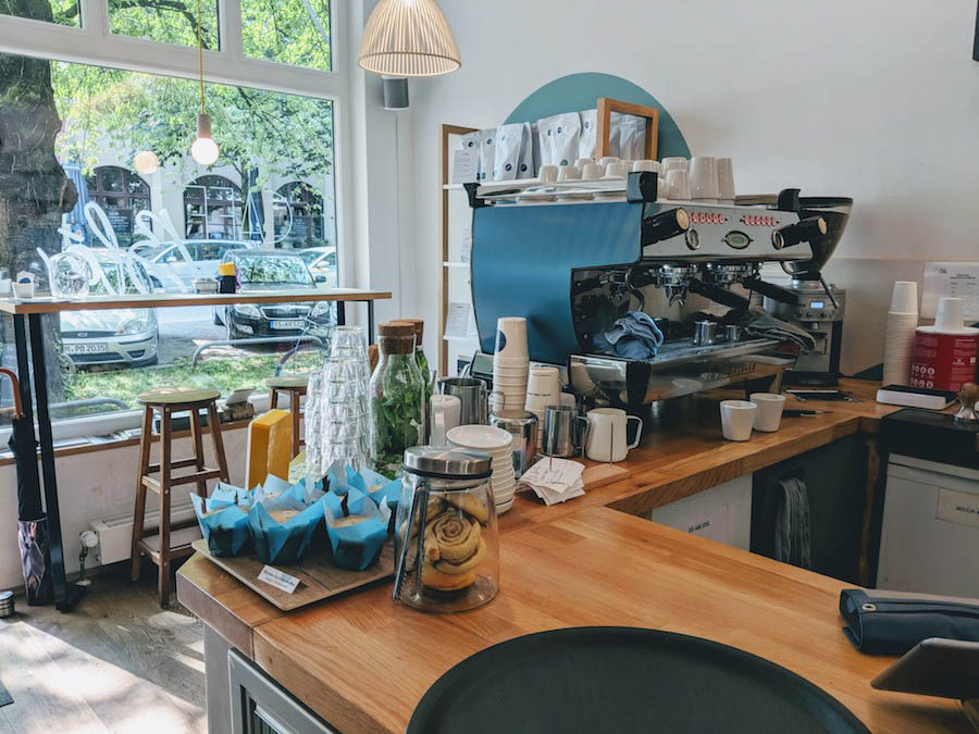 Munich best hipster coffee shop cafe bla