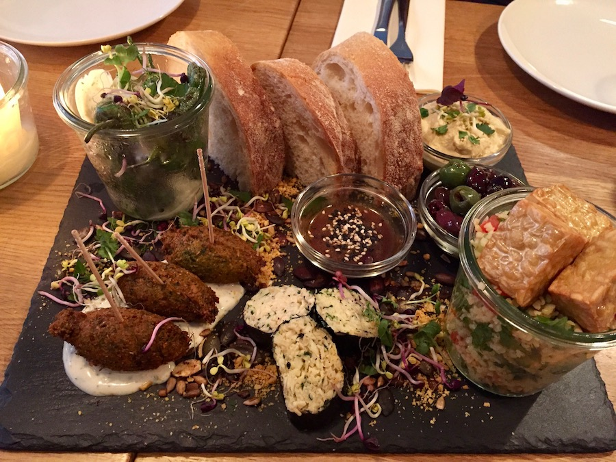 gratitude vegan food in Munich hipster guide