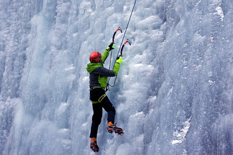 ice climbing outdoor things to do in Anchorage
