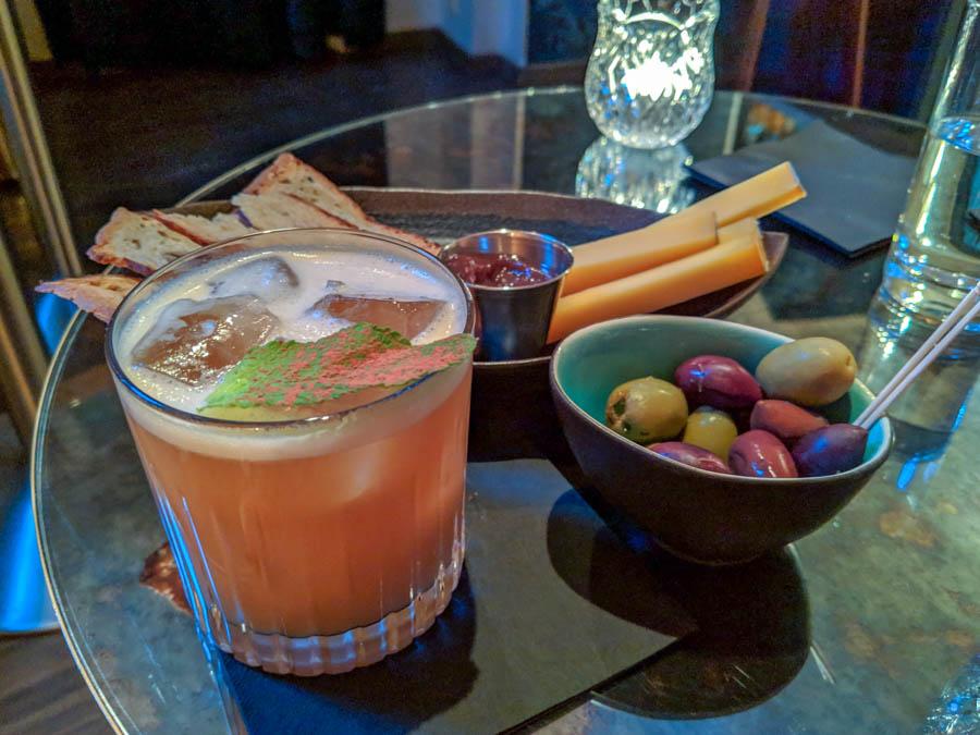 Whipster Sister hidden cocktail bar tallinn estonia