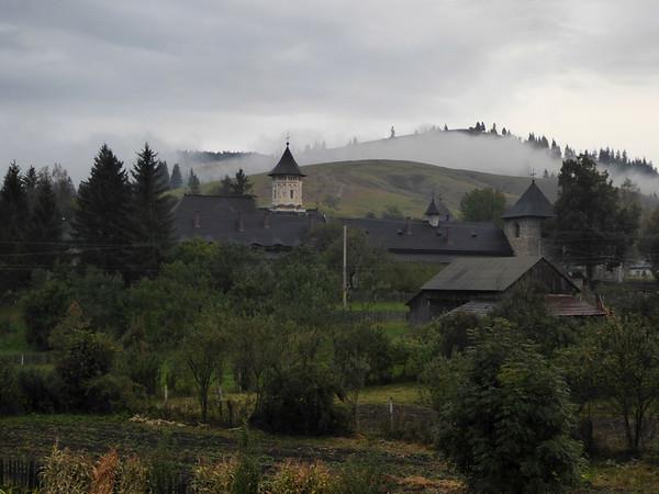 Vatra Moldovitiei 2