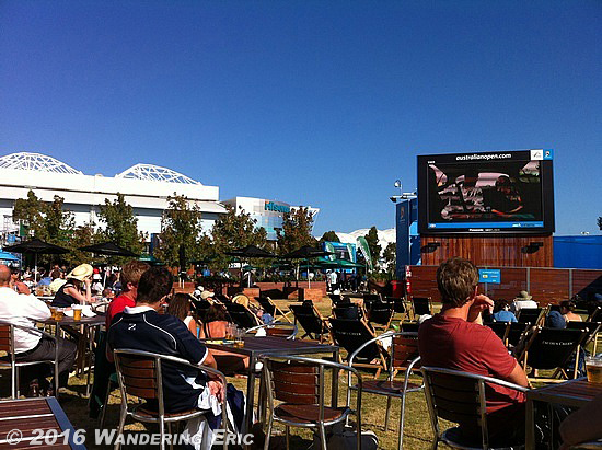 20110130_beer-garden-for-the-q-s-and-finals