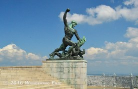 20140508_another-statue-at-the-top-of-the-hill