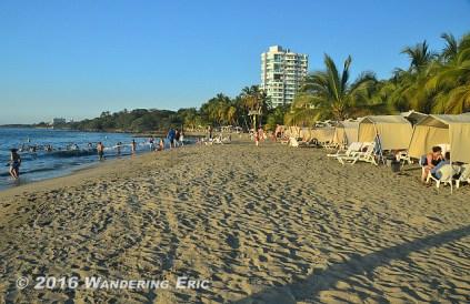 20141231_nice-beach-here-in-santa-marta