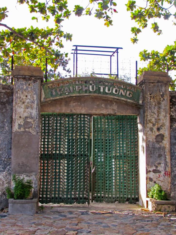 Con Son prison gate