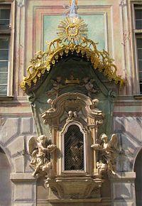 genoa, genova, shrine, madonna, old town, medieval alleys
