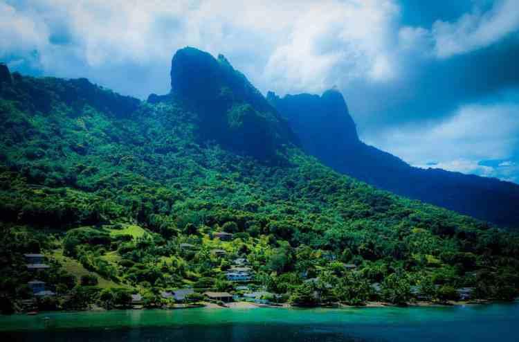 Hawaii vs Tahiti