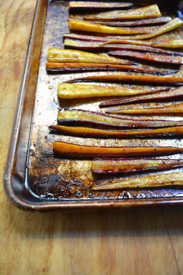 Sweet & Spicy Pomegranate Roasted Carrots
