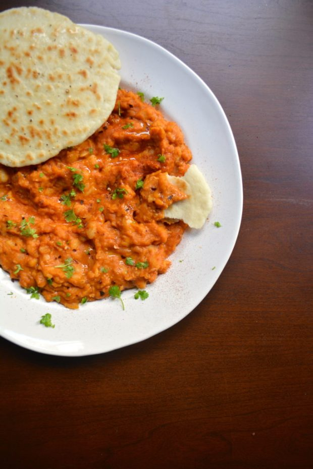 Smoky Turkish Cannellini Beans with Pita Bread