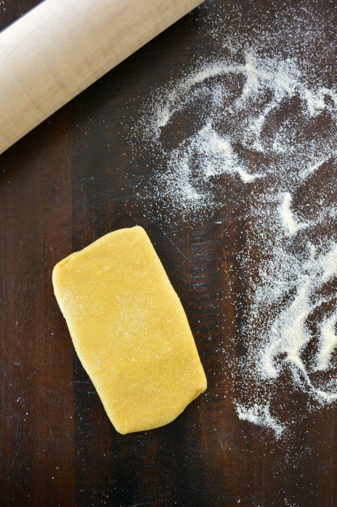 Homemade Fettuccine Noodles - rolling fresh pasta dough
