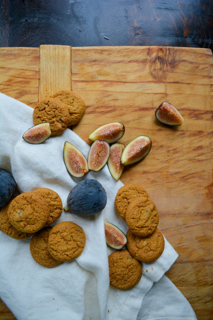 Figs & Gingersnap Cookies - Fig & Gingersnap Cheesecake