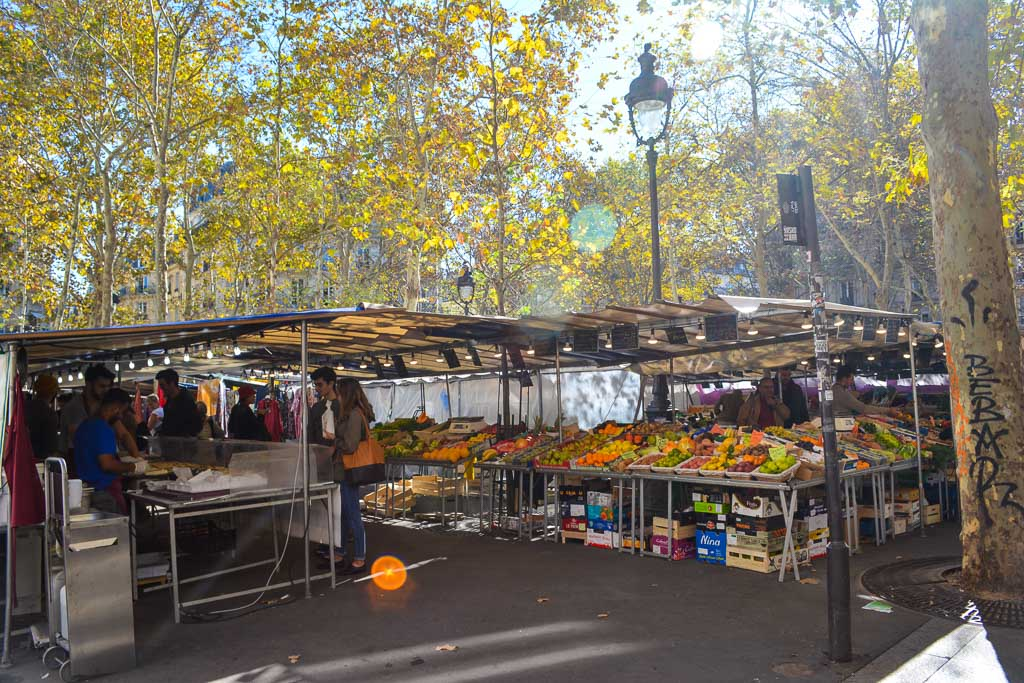 Comprehensive Guide to Paris:  Market Days at Place de la Contrescarpe