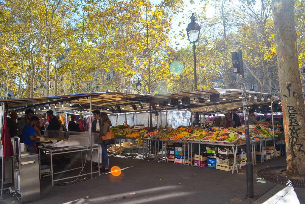 Comprehensive Guide to Paris:  Market Days at Place de la Contrescarpe