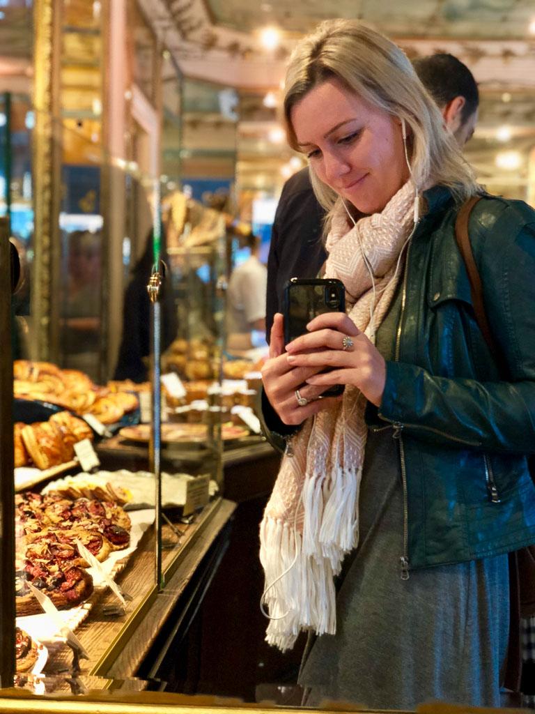 Comprehensive Guide to Paris:  Du Pain et Des Idess Cafe