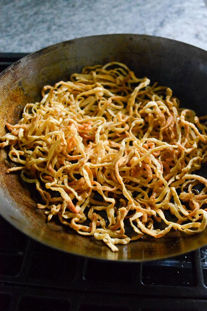 Crispy fried egg noodles