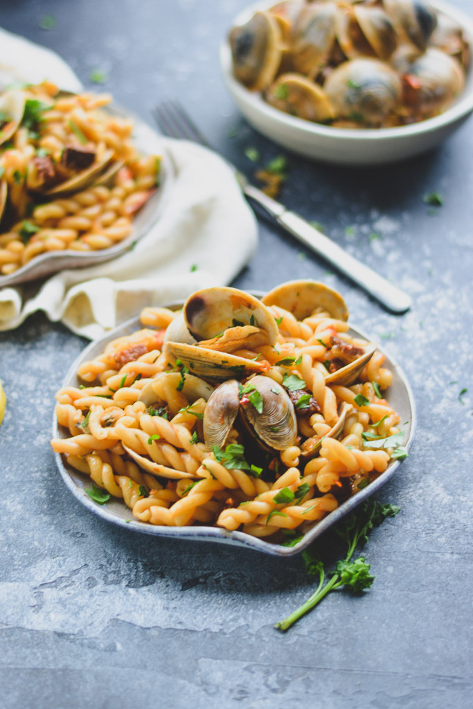 Pasta with steamed clams