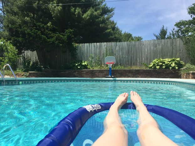 One of Joe's coworkers has a pool, and the 90 degree weekend was a perfect time to put it to good use!